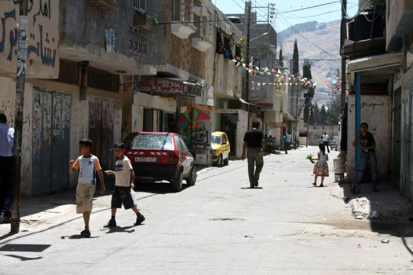 Picture of Asker refugee camp (Palestinian Territories): People in a street of Asker refugee camp