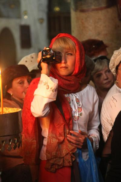 Foto de Religious tourist in the Church of the NativityBelén - Palestina