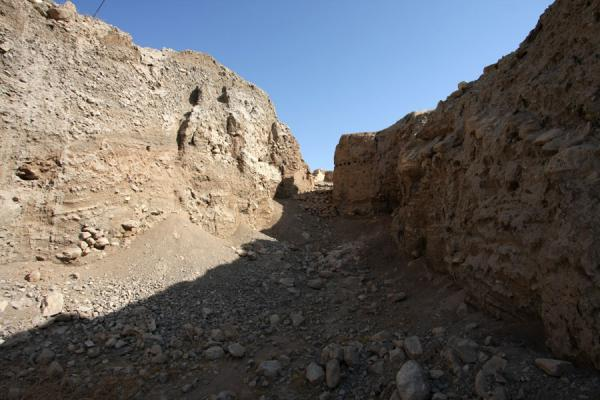 Foto di Trench with layers of ruins at Tel es-SultanGerico - Palestina
