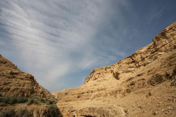 Picture of Wadi Qelt (Palestinian Territories): Wadi Qelt and clouds