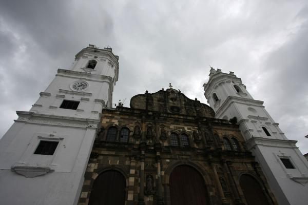 Foto van Panama (The Cathedral of the old city of Panama)