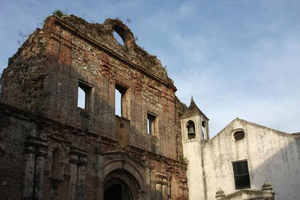Foto van Remains of an old church in the old city of PanamaPanama stad - Panama