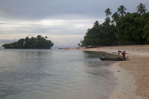 Foto van Beach of Kaibola at the end of the day - Papoea Nieuw Guinea - Oceanië