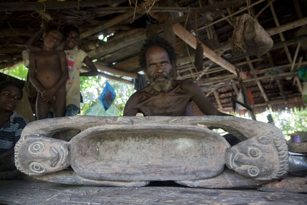 Picture of Papua showing his work of art in a village on the Keram riverKeram river - Papua New Guinea