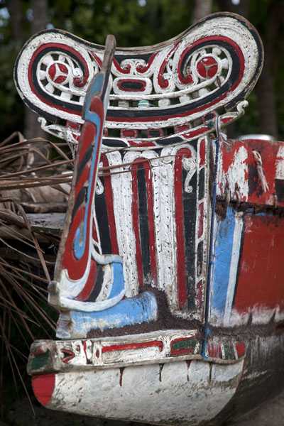Close-up of a traditional canoe on the beach of Okaiboma | Okaiboma | Papua New Guinea