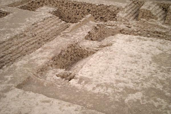 Overview of some of the spaces on the side of the pyramid | Huaca Huallamarca | Peru