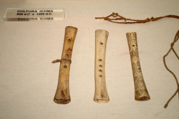 Flutes in the small museum | Huaca Huallamarca | Peru