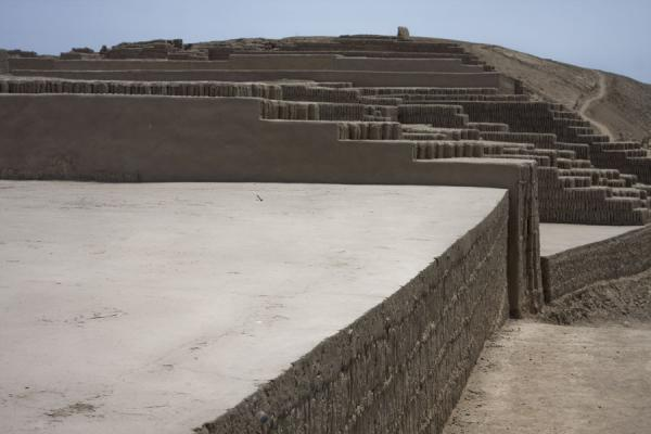 Foto di One of the main platforms on top of the pyramidLima - Peru