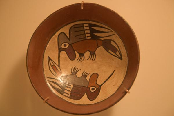 的照片 Ceramics bowl representing two birds - 秘鲁