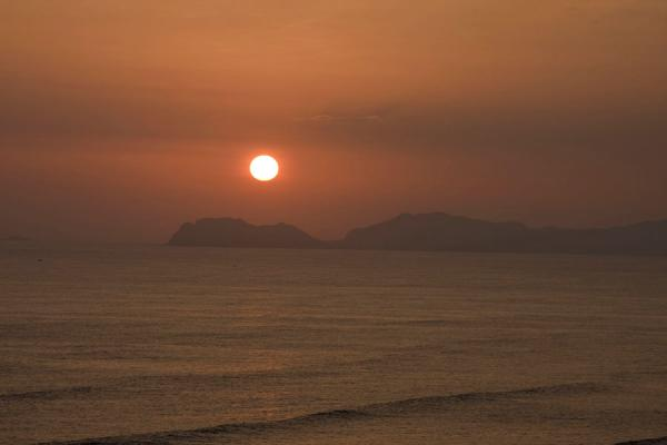 Picture of Parque del Amor (Peru): Pacific sunset seen from the Parque del Amor