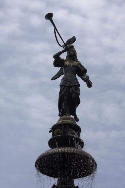 Close-up of the statue on top of the fountain on Plaza de Armas | Plaza de Armas | Peru