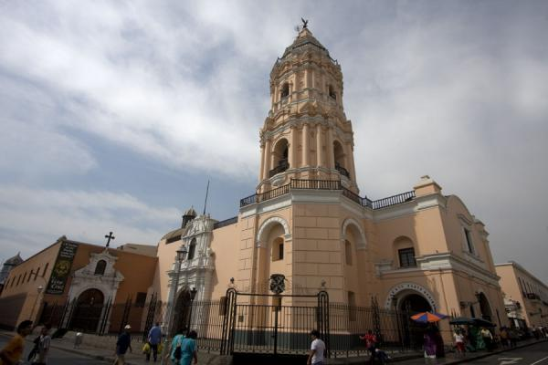 The Santo Domingo church seen from below | Santo Domingo church and monastery | Peru