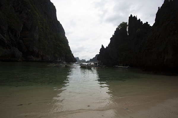 Foto de Beach near the Secret LagoonBacuit - Filipinas