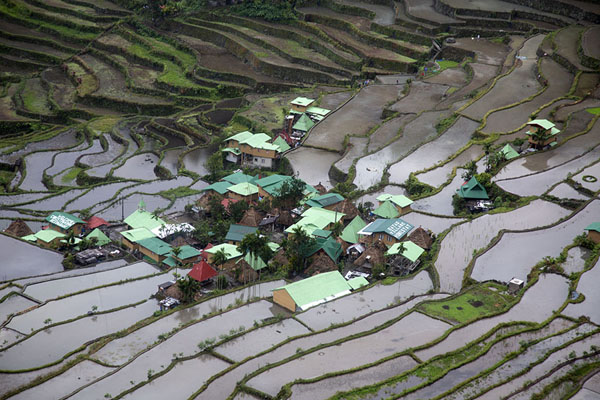 Clpse-up of rice paddies and houses in Batad | Ifugao rijstterrassen | Filippijnen