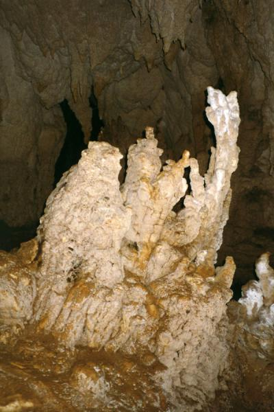 Foto van One of the mysterious rock formations in the cavesSohoton - Filippijnen