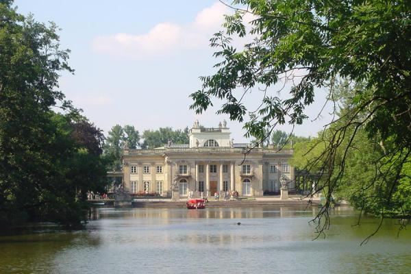 Picture of Lazienki Park (Poland): Palace on lake in Lazienki Park, Warsaw
