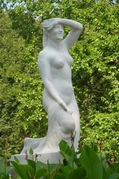 Female nude in the park | Lazienki Park | Poland