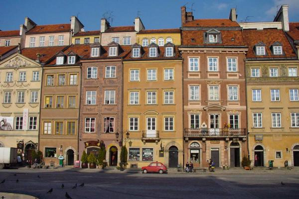 的照片 波兰 (Houses on the Old Town Square in Warsaw in the afternoon sun)