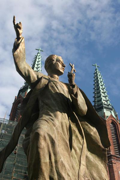 Foto de Religious figure showing the way at Florian's CathedralVarsovia - Polonia