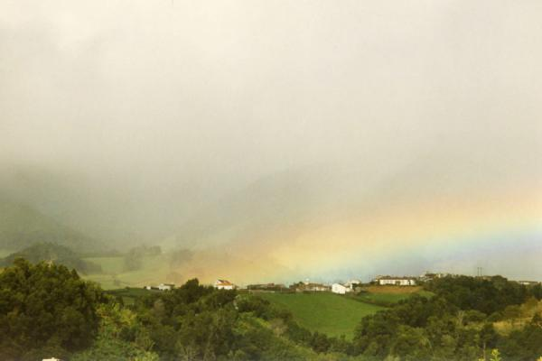 Foto van Rainbow over the Azores landscapeAzoren - Portugal