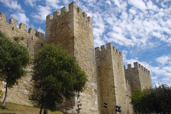 Some of the towers from below | Castelo São Jorge | Portugal