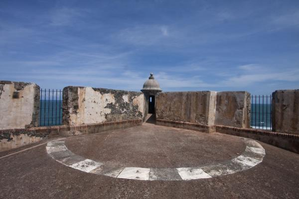 Foto di Garita or parapet in a corner of the fortressFortezza San Felipe del Morro - Porto Rico