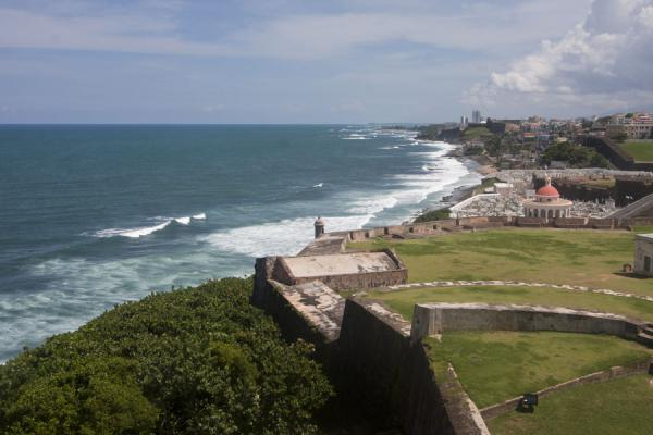Foto de View over the north coast of San Juan from the fort San Felipe del Morro - Puerto Rico - América