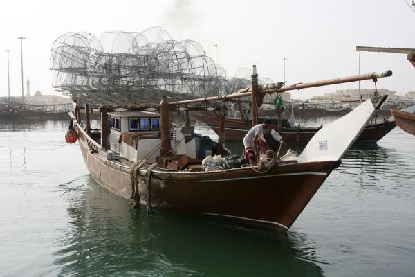 One of the dhows in the harbour of Al Khor | Al Khor pescatori | Qatar