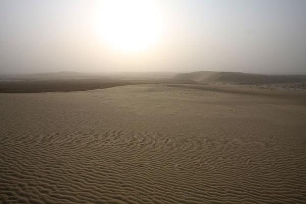 Bright sunlight over the sand of Khor al Adaid | Khor al Adaid Desert | Qatar