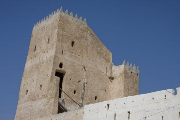 Foto di The top of a tower near Umm Salal Mohammed FortUmm Salal Mohammed fort - Qatar
