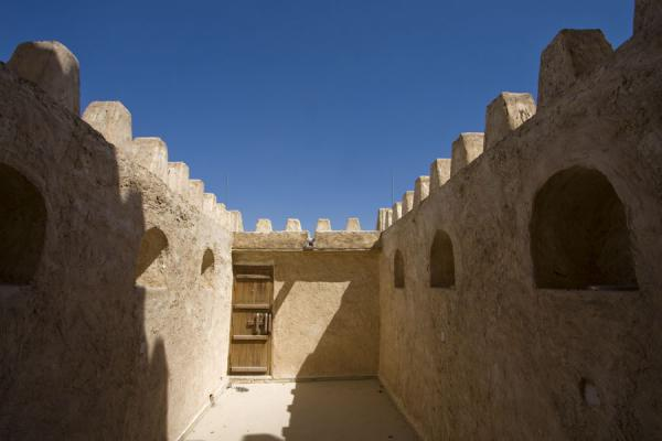 Picture of Umm Salal Mohammed fort (Qatar): The small rooftop space on top of Barzan tower