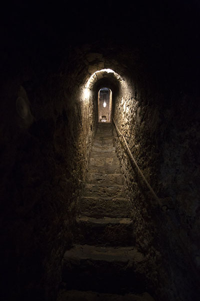 Photo de Dark stairway in Bran castleBran - Roumanie