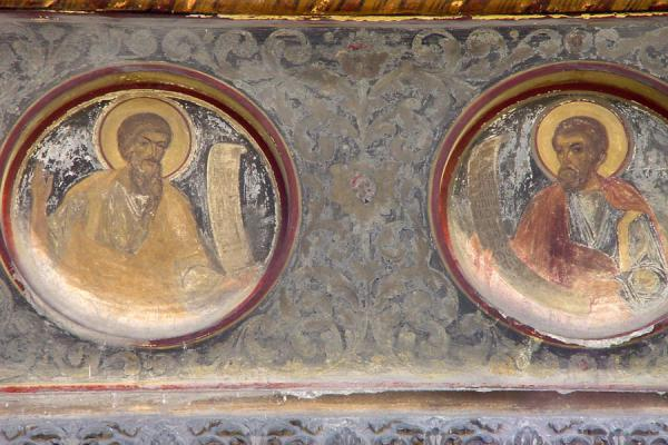 Two saints outside the Stavropoleos church | Bucharest churches | Romania