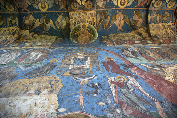 Looking up the wall of the church of Humor | Bucovina monasteries | 罗马尼亚