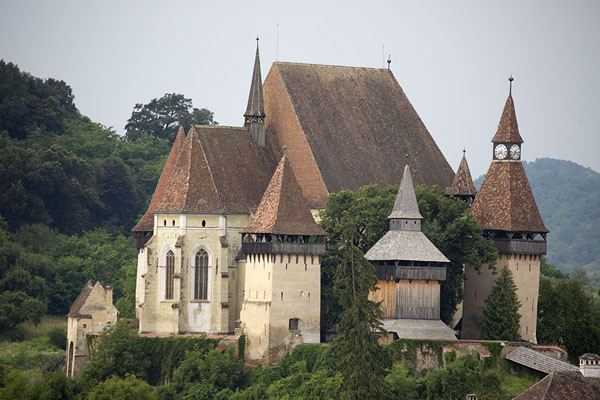 Foto de The fortified church of Biertan seen from a distanceTransilvania - Rumania