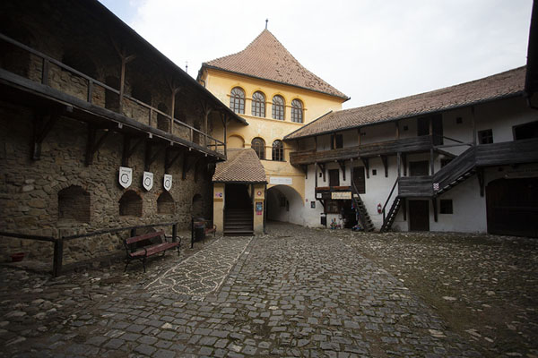 Foto de The entrance gate of the fortified church of PrejmerTransilvania - Rumania