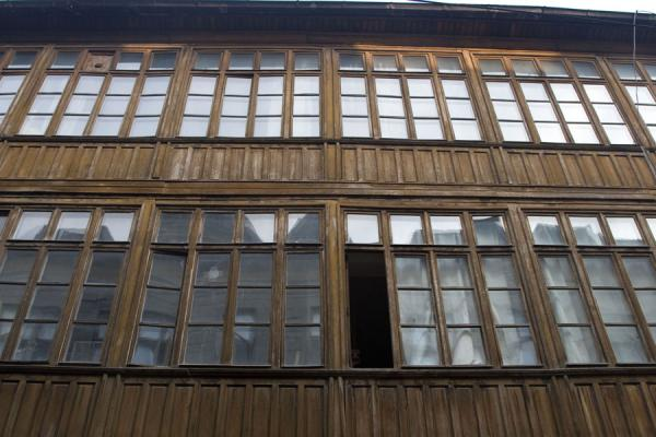 Traditional wooden building in the historic quarter | Lipscani historic quarter | Romania