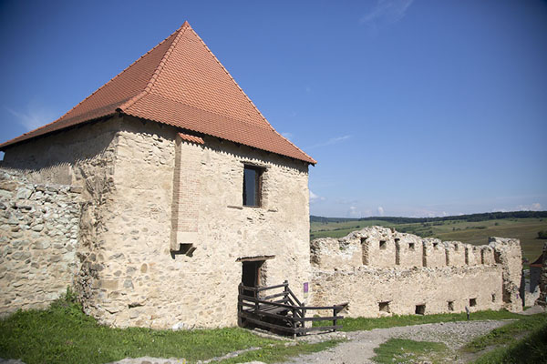 Foto van Scout tower at the middle part of the citadel of Rupea - Roemenië - Europa
