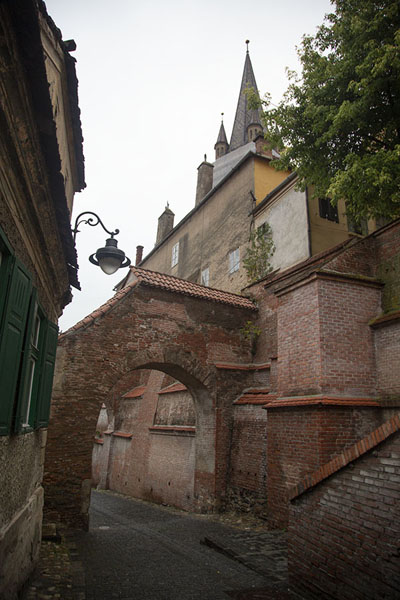 Arch in the lower town of Sibiu - 罗马尼亚