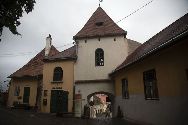 Turnul Scărilor (Stairs Tower), the gate with stairs leading down to the Lower town of Sibiu | Sibiu | Roemenië