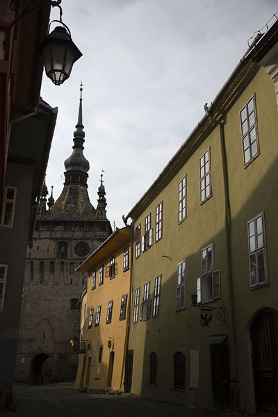 Foto de Street leading from the clocktower to the main squareSighișoara - Rumania