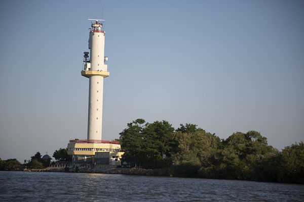 The new lighthouse at the end of the arms of the Danube in the Black Sea | Delta del Danubio de Sulina | Rumania