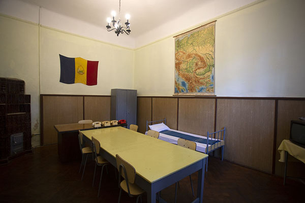 Room where the Ceaușescus had their medical check before the trial - 罗马尼亚