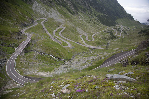 The curves of the higher section of Transfăgărășan Road | Transfăgărășan Road | Romania