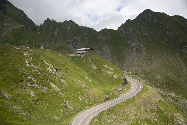 Foto van Road just below the Transfăgărășan PassTransfăgărășan - Roemenië