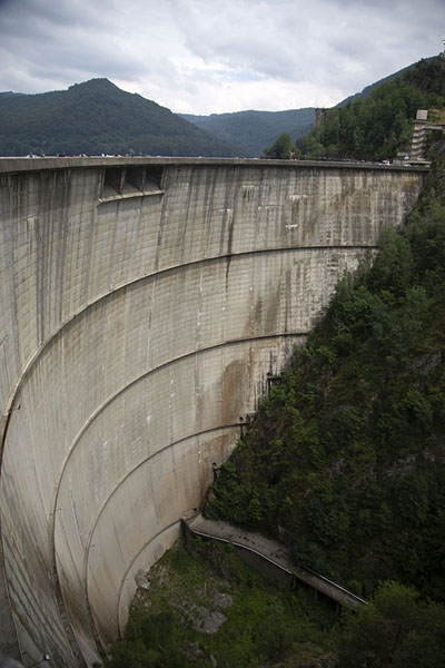 Dam at the end of Vidrara Lake | Transfăgărășan Road | 罗马尼亚