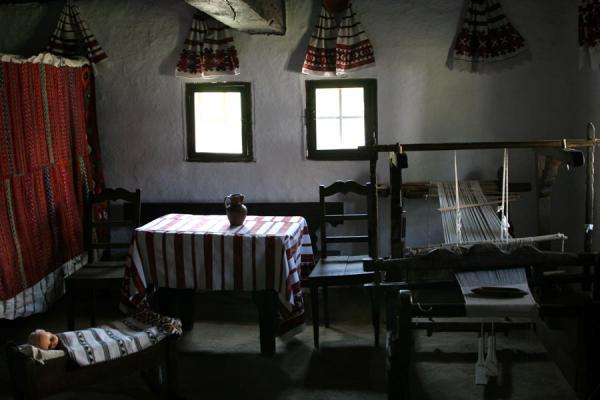 Interior of a traditional house in the Village Museum | Musée du village Satului | Roumanie