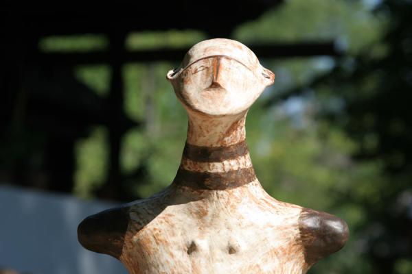 Head of sculpture on display in the Village Museum | Dorpsmuseum Satului | Roemenië
