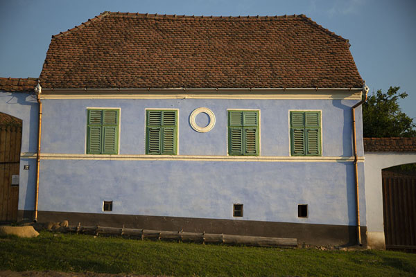 Picture of Viscri (Romania): Large, light blue house in Viscri
