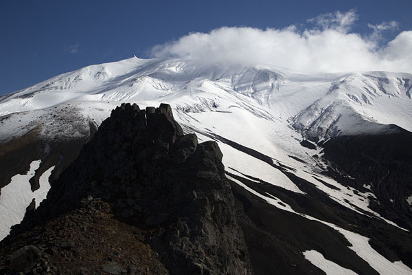 Foto van Looking towards Avachinsky Volcano with Camel Mountain in the foregroundAvachinsky Pass - Rusland